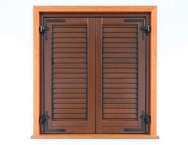 ... finestre in legno lamellare e legno alluminio. Avetrana, Taranto